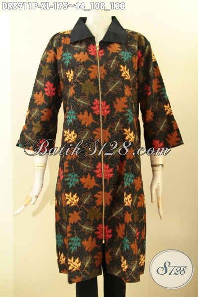 Jual Online Batik Dress Solo Jawa Tengah Desain Mewah Kekinian Untuk Penampilan Nan Berkelas, Hadir Dengan Kerah Kain Polos Resleting Depan Dan Lenan 3/4 Hanya 175K