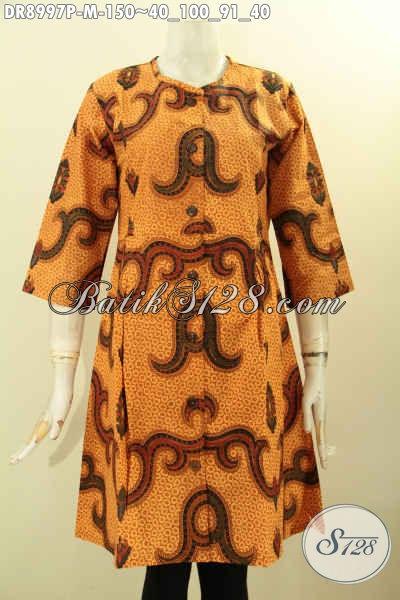 Produk Terbaru Dress Batik Wanita Muda Motif Unik Warna Elegan Proses Printing, Pakaian Batik Solo Asli Desain Tanpa Kerah Pakai Kancing Depan Dan Lengan 3/4 Hanya 150K [DR8997P-M]
