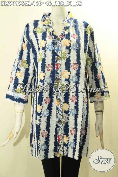 Model Busana Batik Solo Jawa Tengah Lengan 3/4, Pakaian Batik Modis Desain Kekinian Dengan Kancing Depan Berpadu Motif Keren Proses Cap, Penampilan Lebih Stylish