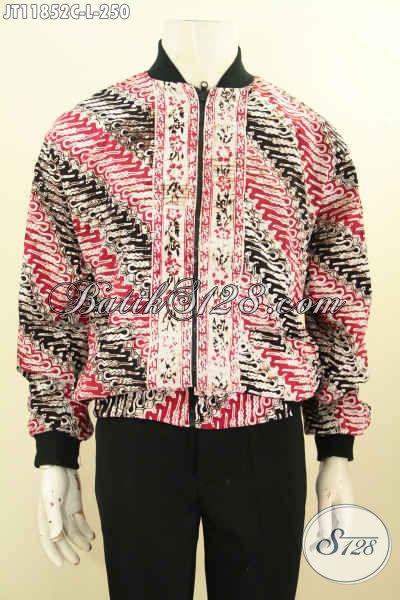 Sedia Jaket Kaum Milenial Hadir Dengan Bahan Batik Nan Bekrelas, Jaket Bomber Batik Solo Tren Masa Kini Yang Bikin Penampilan Lebih Bergaya [JT11852C-L]