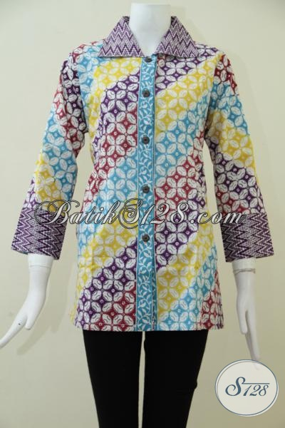 Jual Busana Batik Wanita Motif Terkini, Baju Blus Batik Keren Dengan Kombinasi Warna Trendy Cocok Untuk Santai Dan Hangouts, Size M