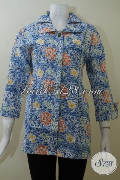 Blus Batik Biru Motif Bunga Bunga Dengan Desain Mewah Cocok Untuk