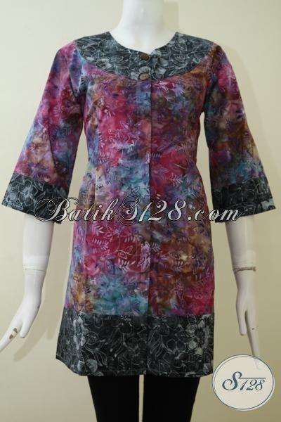 Busana Blus Batik Gradasi Motif Unik Yang Banyak Di Cari Wanita Kantoran, Pakaian Batik Modern Yang Cocok Untuk Pesta Maupun Kerja, Size S – M