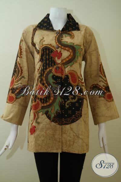 Blus Batik Solo Motif Klasik Kwalitas Premium, Pakaian Batik Tulis Bledak Desain Formal Nan Mewah Yang Pas Untuk Kerja Rapat Serta Acara Resmi [BLS2438TD-XXL]
