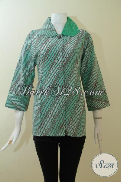 Blus Batik Klasik Warna Modern, Baju Batik Wanita Karir Hijau Motif Parang Tampil Lebih Modis Nan Cantik, Size M