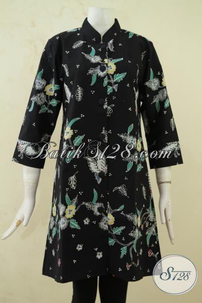 Busana Batik Hitam Elegan, Blus Batik Model Mewah Motif Modern, Baju Kerja Bahan Batik Tulis Mewah Dengan Daleman Full Furing Size M [BLS3301TF-M]