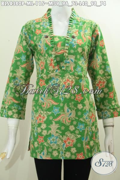 Produk Baju Blus Batik Warna Hijau Motif Bunga, Pakaian Batik Masa Kini Desain Resleting Belakang Motif Keren Banget Proses Printing Size M – L
