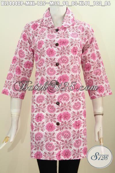 Sedia Blus Batik Kerah Bulat Warna Pink, Produk Baju Batik Istimewa Motif Bagus Proses Printing Untuk Wanita tampil Lebih Cantik Dan Feminim, Size M – XL