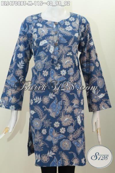 Baju Batik Istimewa Dasar Biru Dengan Motif Kupu Dan Bunga Kwalitas Halus Proses Kombinasi Tulis, Pakaian Batik Trend Masa Kini Penunjang Penampilan Lebih Sempurna, Size M
