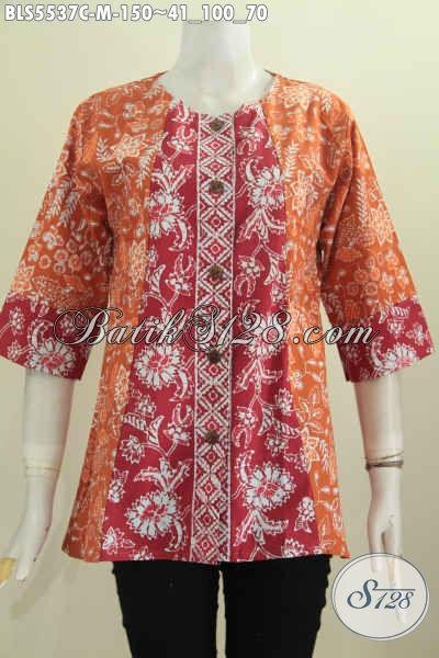 Produk Busana Batik Wanita Terkini, Baju Blus Model Tanpa Kerah Dengan Kombinasi Dua Warna Proses Cap Pas Buat Jalan-Jalan Atau Seragam Kerja [BLS5537C-M]