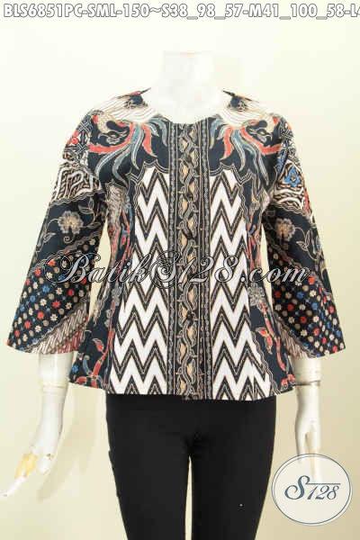 Baju Blus Batik Wanita Murah, Pakaian Batik Kerja Nan Elegan Buatan Solo Proses Printing Desain Tanpa Krah [BLS6851PC-M]