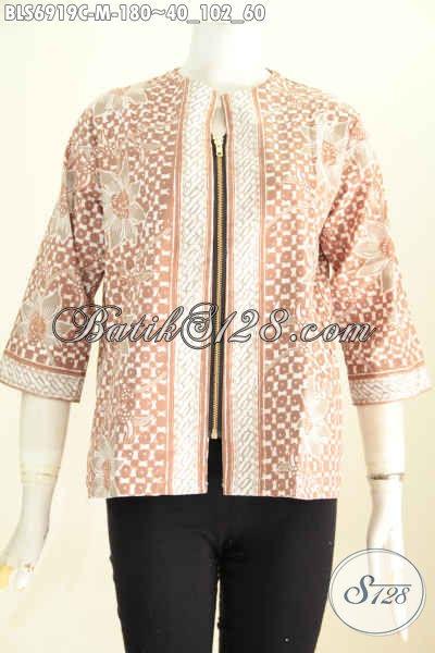 Batik Blus Solo Warna Pastel Saku Kanan Kiri Dan Resleting Depan Untuk Penampilan Lebih Modis, Size M