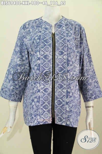 GamBar Baju Batik Kerja Wanita Tebaru, Blus Jumbo 3L Desain Resleting Depan Pakai Kantong Paspol Kanan Kiri Untuk Wanita Gemuk Tampil Gaya [BLS6940C-XXL]