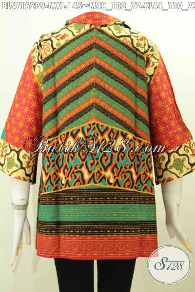 Batik Blus Kerja Wanita Masa Kini, Busana Batik Trendy Kerah Langsung Motif Mewah Buatan Solo Proses Printing, Tampil Bergaya Dan Elegan [BLS7162P-M]