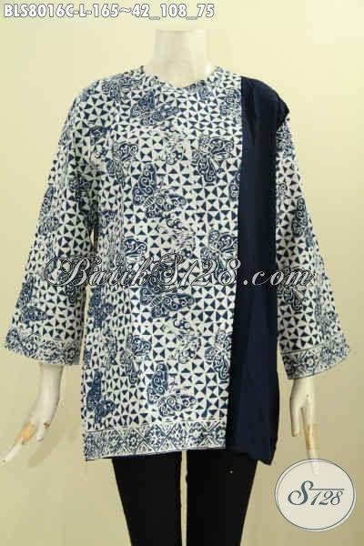 Model Baju Batik Kerja Wanita Karir, Blus Keren Kombinasi Polos Motif Klasik Dengan Pias Samping Kancing Belakang Hanya 165 Ribu, Size L