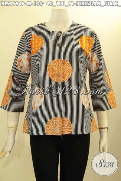 Busana Batik Solo Jawa Tengah Masa Kini, Blus Batik Tanpa Krah Motif Bagus Proses Printing Pakai Kancing Depan, Tampil Gaya Dan Mempesona