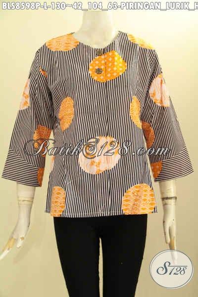 Jual Baju Kemeja Batik Wanita Tanpa Krah, Blus Batik Motif Piringan Lurik Bahan Adem Proses Printing Di Lengkapi Kancing Depan, Tampil Cantik Dan Trendy