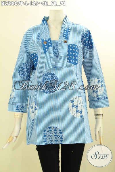 Busana Batik Kutubatu Warna Biru Desain Garis Motif Trendy, Pakaian Batik Solo Lengan 7/8 Spesial Untuk Wanita Masa Kini Yang Ingin Tampil Elegan Dengan Sentuhan Modern [BLS8807P-L]