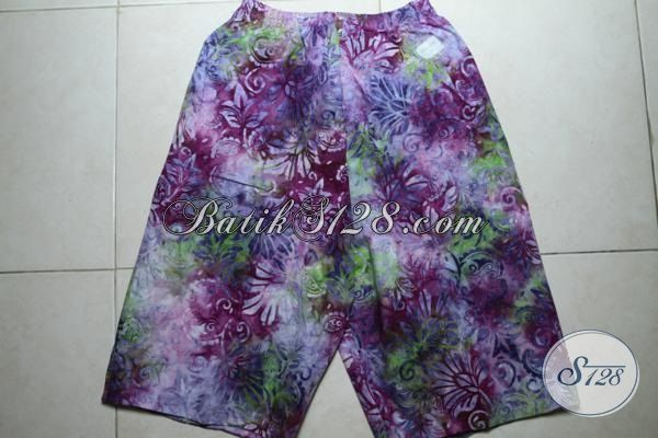Celana Pendek Gradasi Motif Keren Proses Cap Smoke, Busana Batik Santai Berbahan Halus Dan Adem