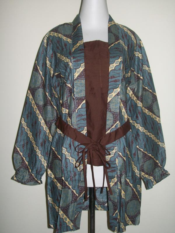 Blus Batik Modern Wanita Lengan Panjang, Berwarna Hijau Motif Lereng (SOLD OUT)
