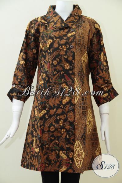 Baju Blus Batik Desain Modern Dengan Dua Motif Klasik Mewah