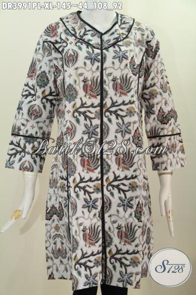 Busana Wanita Dewasa Terkini, Pakaian Batik Buat Kerja Desain Tanpa Kerah Dengan Motif Elegan Proses Printing Size XL, Baju Batik Solo Kwalitas Bagus Harga Lebih Terjangkau