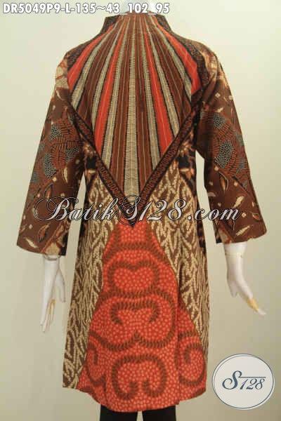 Batik Dress Seragam Kerja Wanita Karir, Hadir Dengan Model Kerah Langsung Berbahan Halus Proses Printing Motif Klasik, Size L Untuk Penampilan Terlihat Istimewa