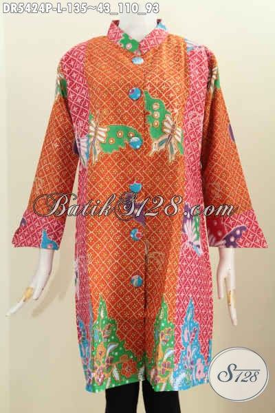 Pakaian Dress Bahan Batik Dengan Kombinasi Warna Cerah Motif Kupu Bahan Adem proses Printing Di Lengkapi Kancing Besar Trend Masa Kini, Tampil Makin Modis [DR5424P-L]
