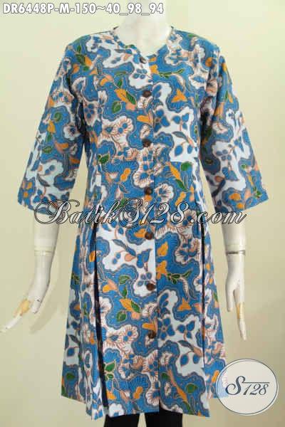 Dress Batik Motif Bunga, Pakaian Batik Wanita Warna Biru Proses Printing Model Tanpa Krah Kancing Depan, Pas Untuk Santai Dan Pesta, Size M