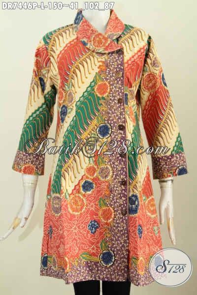 Model Baju Batik Kerja Wanita Karir 2017, Hadir Dengan Desain Kerah Miring Kwalitas Halus Motif Bunga Proses Printing Tampil Mempesona, Size L