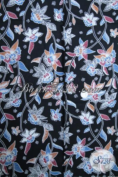 Butik Batik Solo Online Sedia Kain Batik Dasar Hitam Dengan Motif Bunga, Cocok Untuk Blus Batik Elegan Bagi Wanita Karir Yang Butuh Penampilan Sempurna [K1503P]