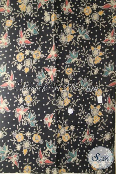 Batik Bagus Motif Bunga Dan Kupu, Kain Batik Trendy Kombinasi Tulis Dasar Hitam Cocok Banget Untuk Pakaian Santai Wanita Masa Kini [K2009BT-240×110 cm]