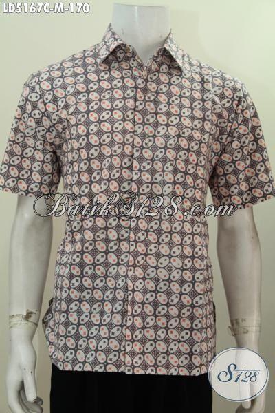 Jual Kemeja Batik Lengan Pendek Berbahan Halus Motif Keren Terkini, Baju Batik Cap Buatan Solo Istimewa Untuk Kerja Bisa Untuk Pesta Juga  Modis, Size M