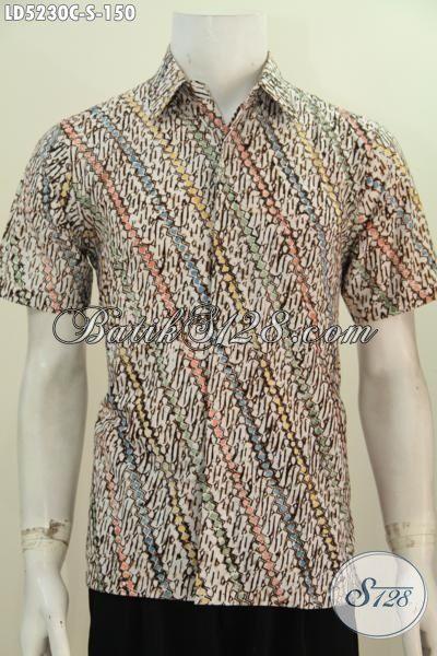 Jual Online Busana Batik Keren Motif Parang Nan Elegan, Pakaian Batik Istimewa Untuk Pria Muda Dan Remaja Proses Cap Meningkat Penampilan Makin Berkelas, Size S