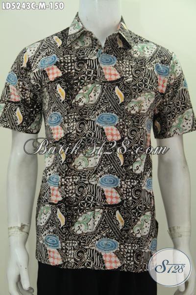 Jual Online Kemeja Lengan Pendek Modis Berbahan Batik Cap  Kwalitas Halus Harga Terjangkau, Pakaian Batik Size M Cocok Untuk Lelaki Usia Muda [LD5243C-M]