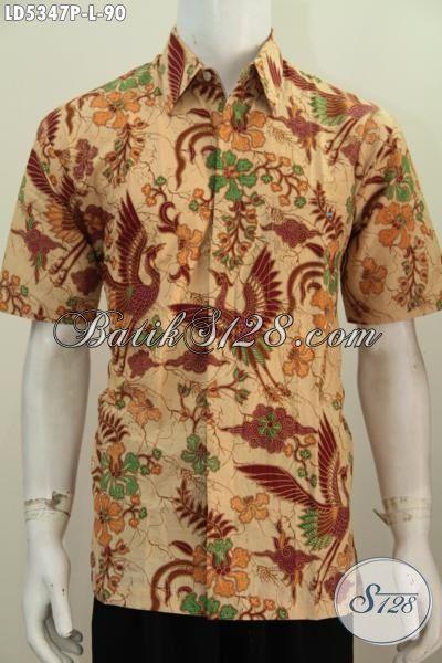 Produk Pakaian Batik Pria Terbaru, Hadir Dengan Motif Mewah Berpadu Warna Klasik Nan Elegan Proses Printing Hanya 90 Ribu Saja Biasa Tampil Gagah Mempesona, Size L