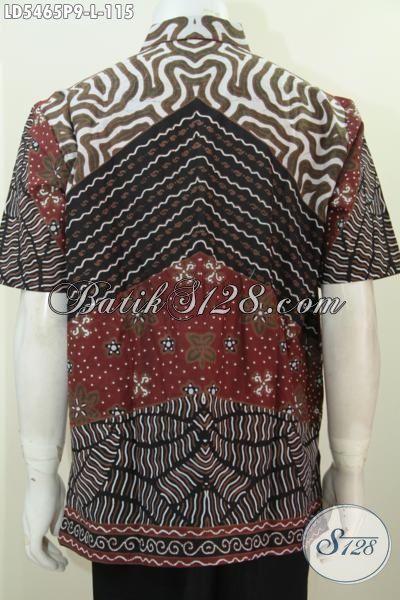 Foto belakang model baju batik pria terbaru