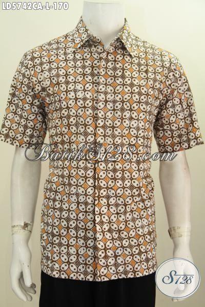 Kemeja Batik Keren Elegan Berbahan Halus, Produk Busana Batik Modern Proses Cap Warna Alam Motif Unik Untuk Penampilan Lebih Trendy, Size L
