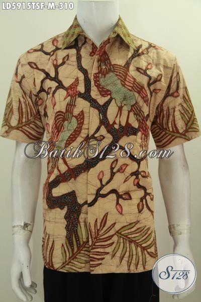 Baju Hem Batik Paling Keren Buatan Solo Proses Tulis Soga, Kemeja Lengan Pendek Halus Size M Spesial Untuk Cowok Untuk Bisa Tampil Bergaya