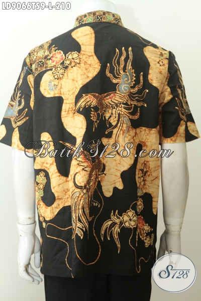 Baju batik bagian belakang pria