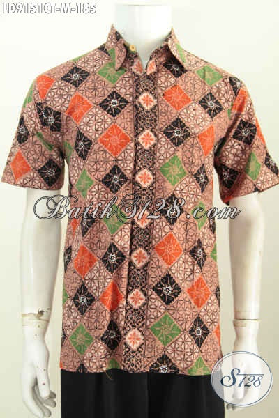Busana Batik Solo Modis, Baju Batik Khas Jawa Tengah Yang Membuat Lelaki Muda Tampil Beda Dan Bergaya [LD9151CT-M]