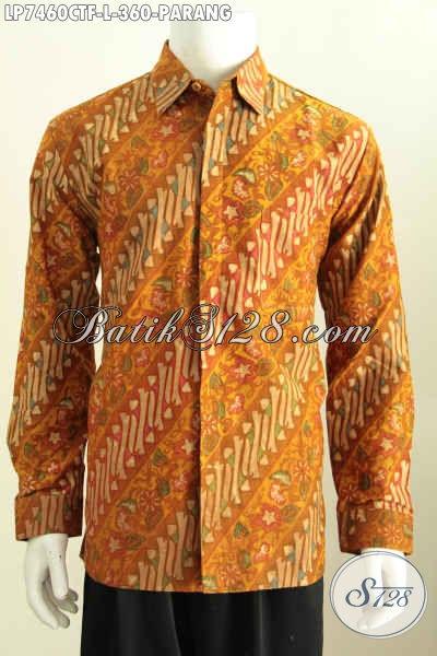 Model Baju Batik Warna Coklat Terang Untuk Pria Berkulit Putih
