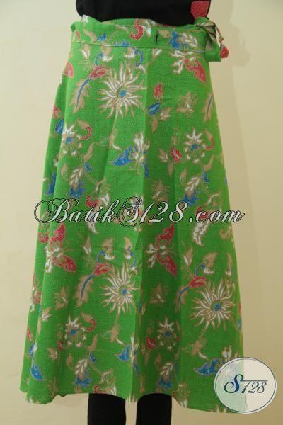 Rok Batik Lilit Warna Hijau Trendy, Bawahan Batik Keren Proses Printing Motif Bunga Dan Kupu, Pas Banget Untuk Wanita Muda
