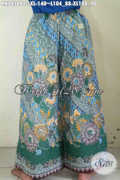 Celana Batik Bagus Trend Mode Masa Kini, Produk Celana Batik Berkelas Buatan Solo Model Kulot Dengan Layer, Penampilan Makin Bergaya [RK7438P-L]