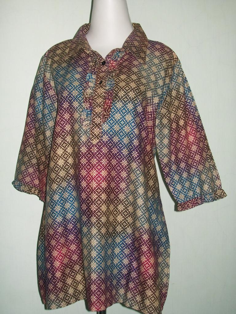 Baju Batik Tiga Perempat Motif Gradasi Bahan Katun [C34009]