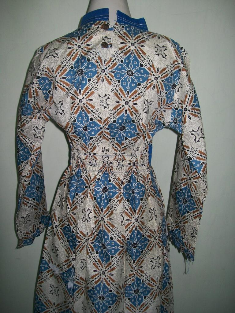 Gamis Batik Modern Bahan Katun Model Ber-Smok (Karet) Di Bagian Dada [GM018]