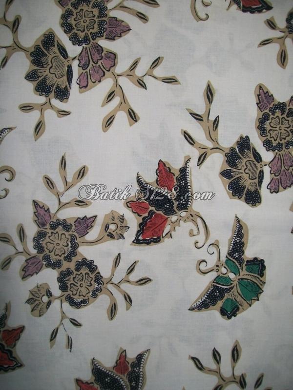 Bahan Batik Warna Dasar Putih Dengan Motif Kombinasi Bunga Dan Kupu