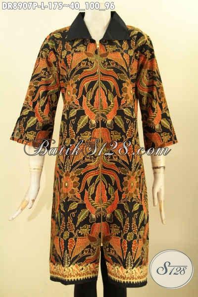Batik Dress Solo Kekinian Dengan Motif Elegan Klasik, Pakaian Batik Berkelas Lengan 3/4 Bahan Halus Kerah Kain Polos Dan Di Lengkapi Juga Resleting Depan, Penampilan Lebih Mempesona [DR8907P-L]