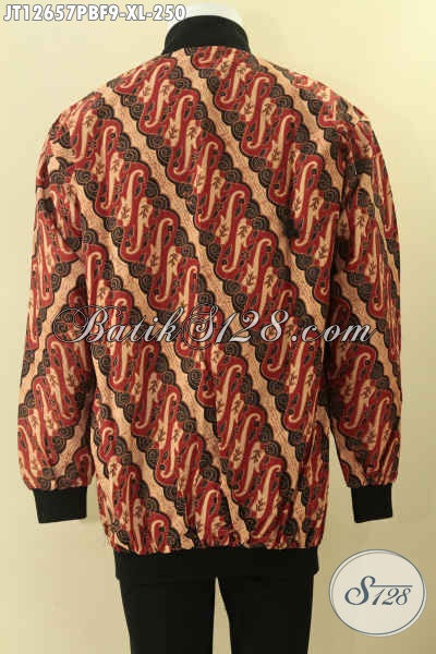 Jaket Batik Motif Klasik Solo Asli, Hadir Dengan Model Bomber Yang Di Lengkapi Furing Dormeuil Nan Mewah Dan Berkelas [JT12657PBF-XL]