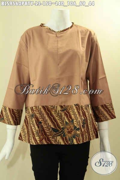 Blouse Batik Kombinasi Kain Katun Polos Toyobo, Baju Batik Wanita Masa Kini Untuk Tampi Gaya Model Tanpa Krah Dengan Resleting Depan Dan Lengan 7/8 [BLS9560PBTY-L]
